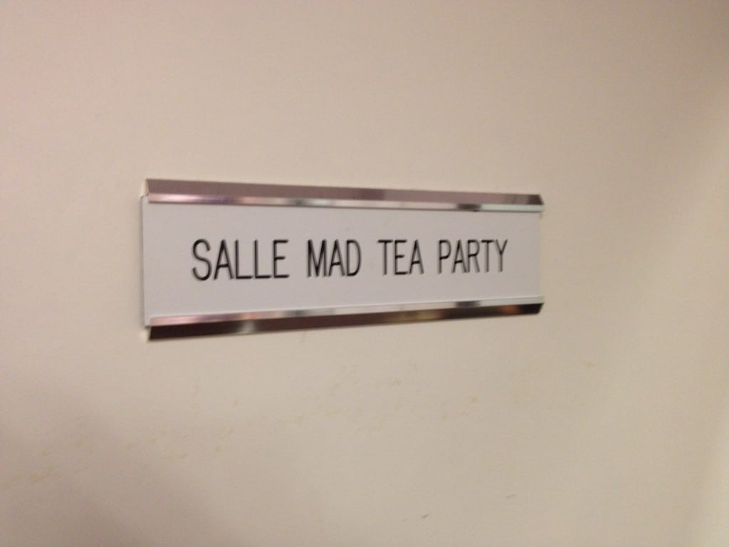 Disneyland Paris - Backstages - Salle Mad Tea Party