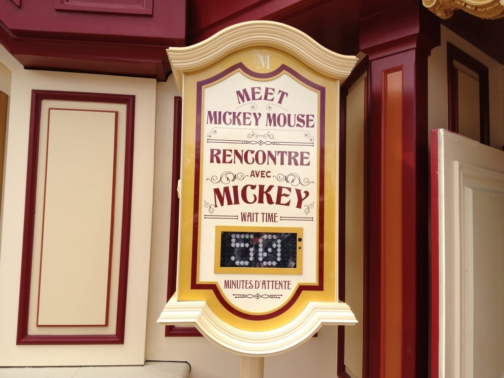 Le temps d'attente Meet Mickey