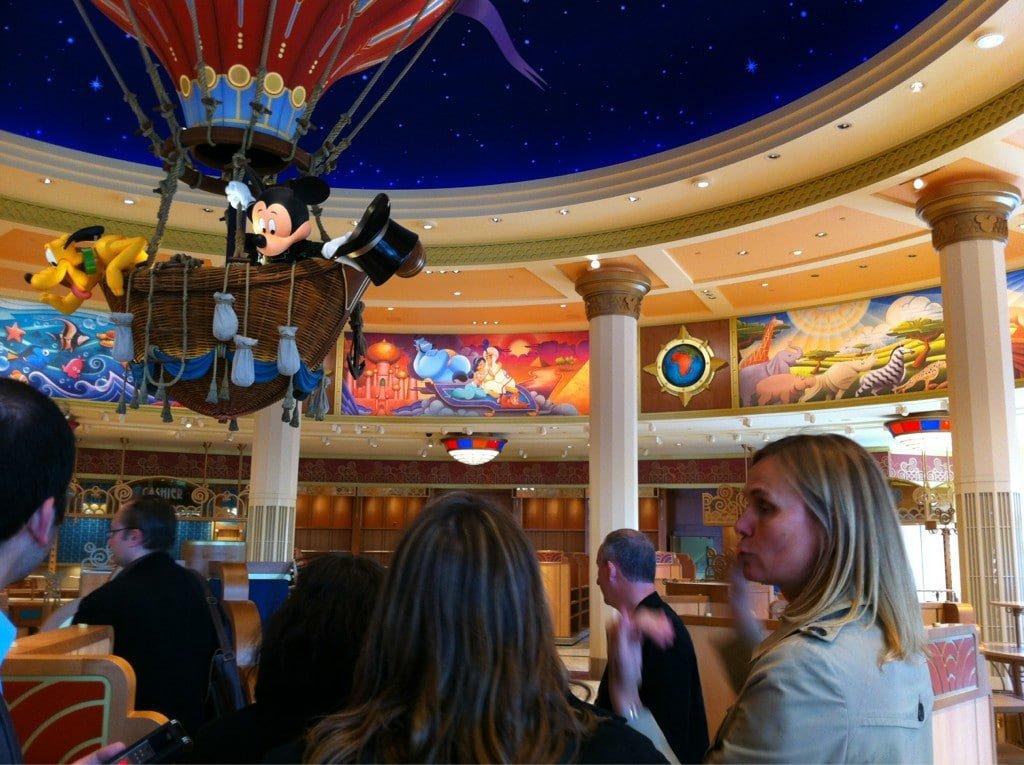 Nathalie Piette Caron nous présente World of Disney