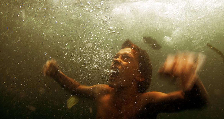 The Impossible. Un film bouleversant sur le terrible tsunami qui frappa l'Asie du sud-est en 2004. Avec Naomi Watts et Ewan McGregor 11
