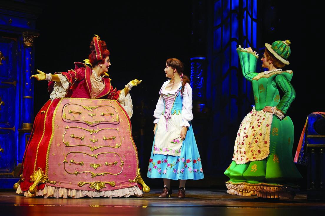10 - Mme Grande Bouche Belle Mme Samovar Photo Brinkhoff Migenburg Disney