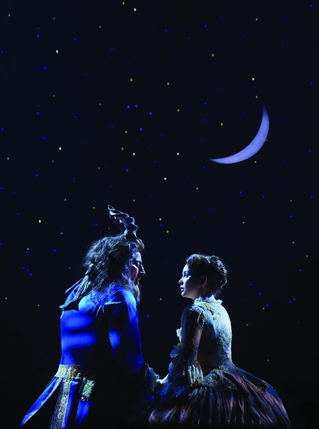 7 - La Belle et la Bete Photo Brinkhoff Migenburg Disney