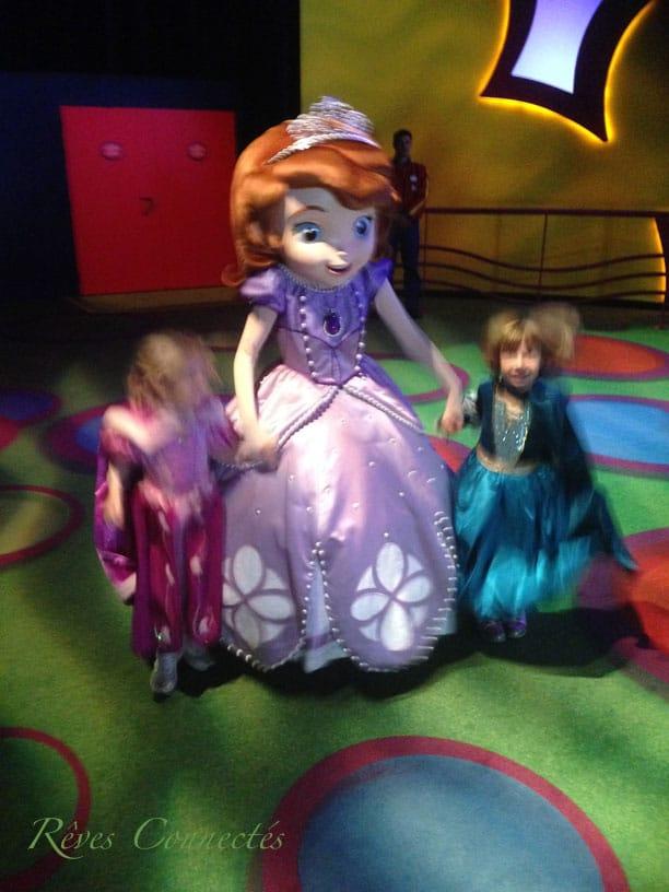 Princesse-Sofia-Disney-Junior-2013-Disneyland-Paris-1923