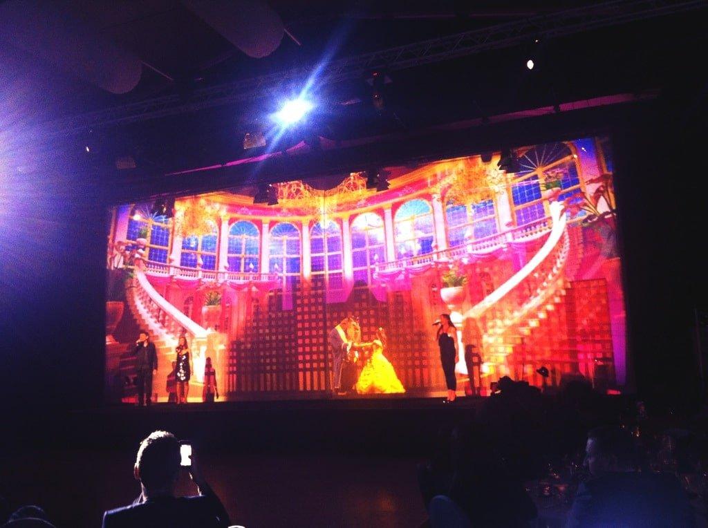 La Belle et La Bête par 3 membres de la troupe Mamma Mia! lors du gala de clôture