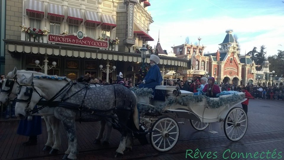 Noel 2014 Disneyland Paris Anna Elsa La Reine des Neiges Merida Rebelle_20150102_073