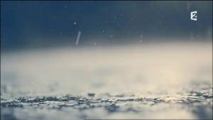 Broadchurch. Série policière, huis clos d'une petite ville balnéaire britannique où tout bascule après de terribles drames ... Avec David Tennant, Olivia Colman, ..., et Charlotte Rampling. 15