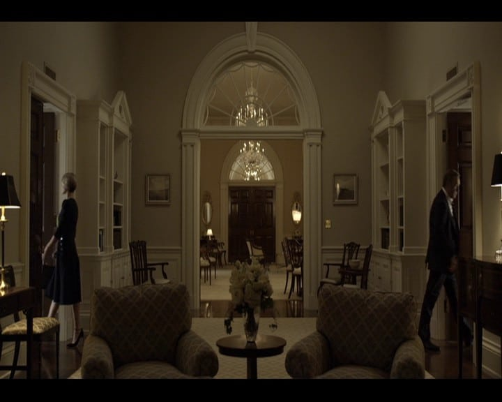 House of Cards S3 vlcsnap-2015-07-26-17h59m49s816