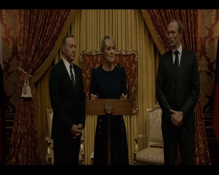 House of Cards S3 vlcsnap-2015-07-26-18h12m14s705