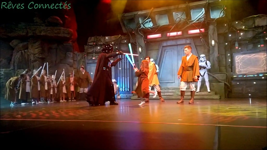 Jedi Academy à Disneyland Paris : combat des padawans contre Dark Vador !