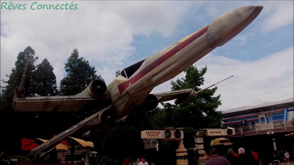 Le X-Wing de Star Tour à Disneyland Paris / Discoveryland