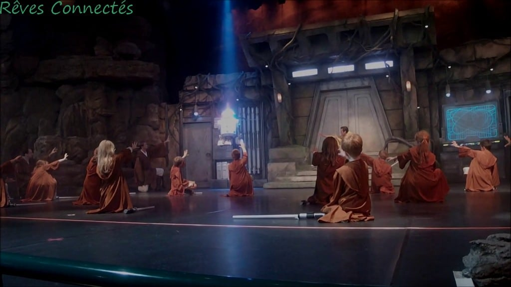 Jedi Academy à Disneyland Paris : R2D2 en lévitation :)