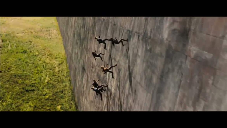 Les Divergents sur le mur