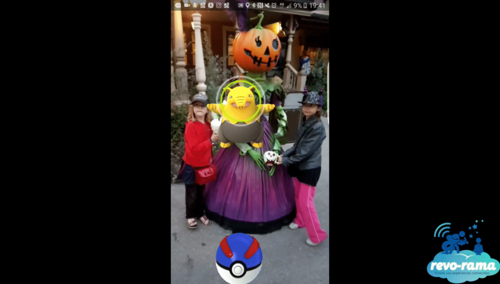 revorama-pokemon-go-plus-halloween-disneyland-paris