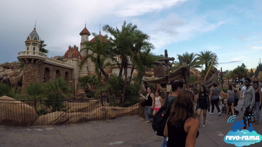 revorama-magic-kingdom-walt-disney-world-fantasyland-liberty-square-2018
