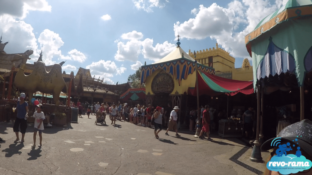 revorama-magic-kingdom-walt-disney-world-frontierland-tomorrowland-adventureland-2018